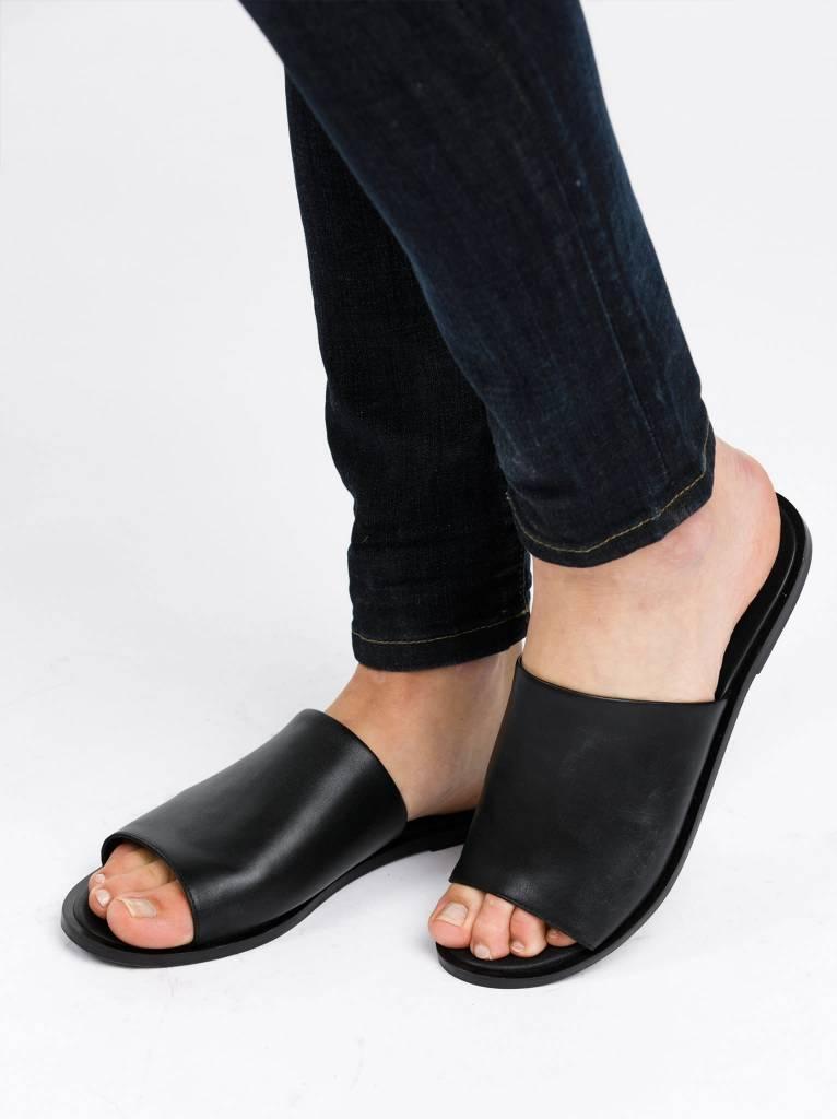 Fashionable Jessica Slide