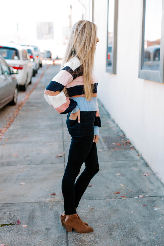 TCEC Color Block Flare Sleeve Sweater