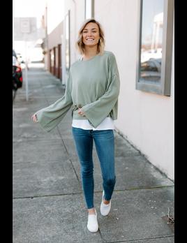 Z Supply The Premium Fleece Flare Sleeve Pullover