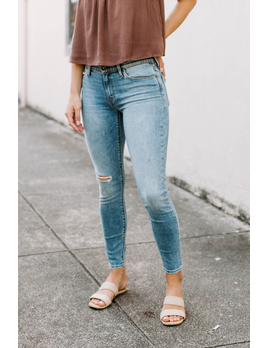 Hudson Nico Mid-Rise Distressed Super Skinny Ankle Jean in Soft Light