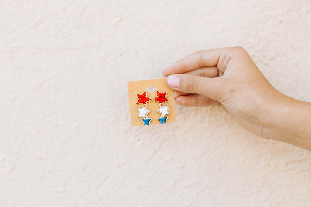 USA 3 Thread Star Earrings