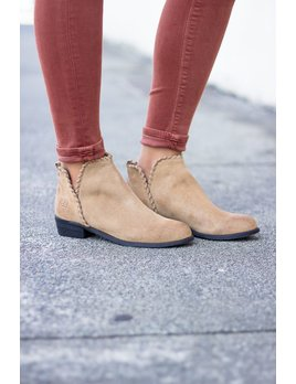 Chinese Laundry Crossroads Ankle Bootie