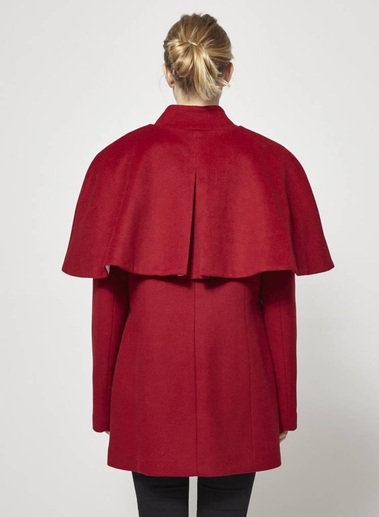 Atelier B Solde - Manteau rouge en laine avec petite cape