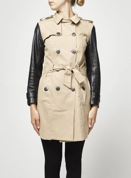 Hip and Bone SOLDE - TRENCH BEIGE MANCHES NOIRES EN CUIR