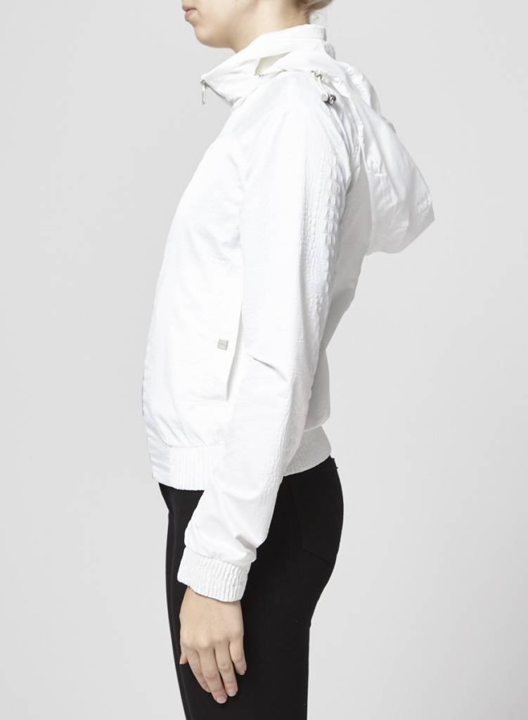 Chanel Manteau léger blanc texture serpent