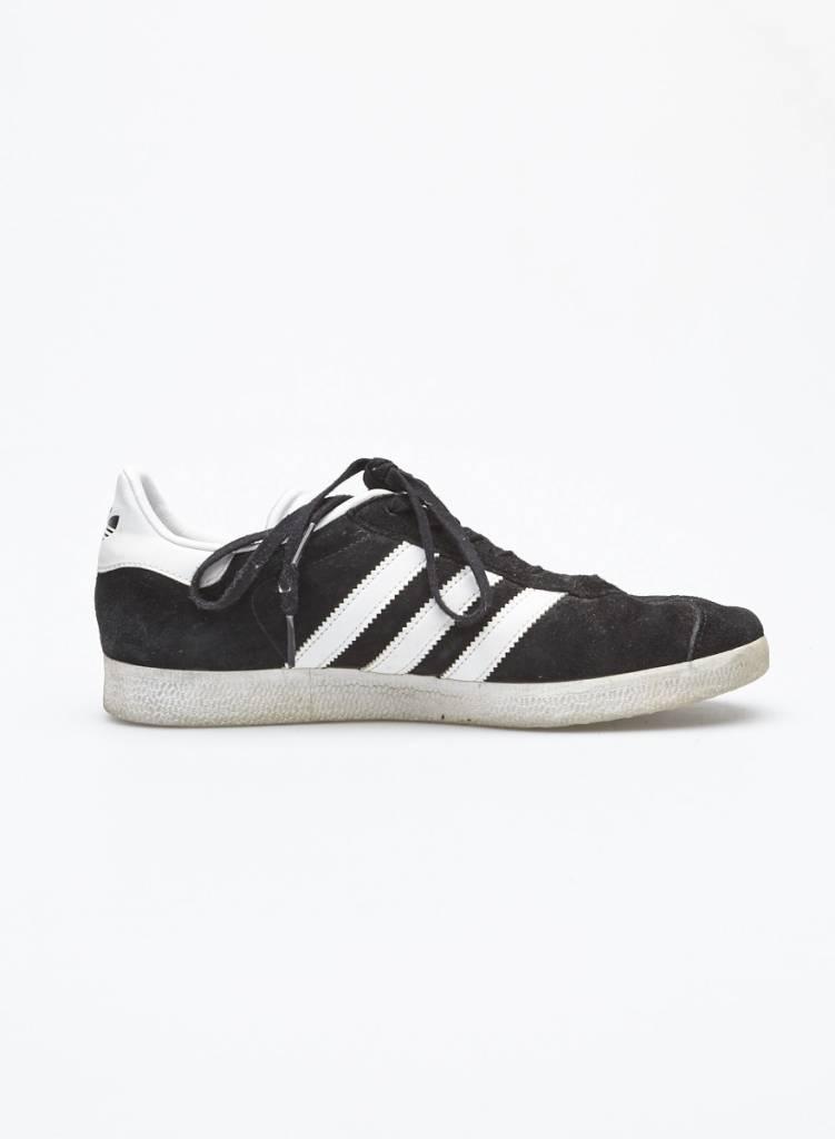 Adidas Espadrilles noir et blanc Modèle Gazelle