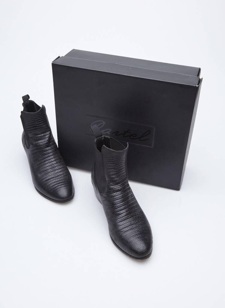 Cartel Bottillons noirs en cuir texturé
