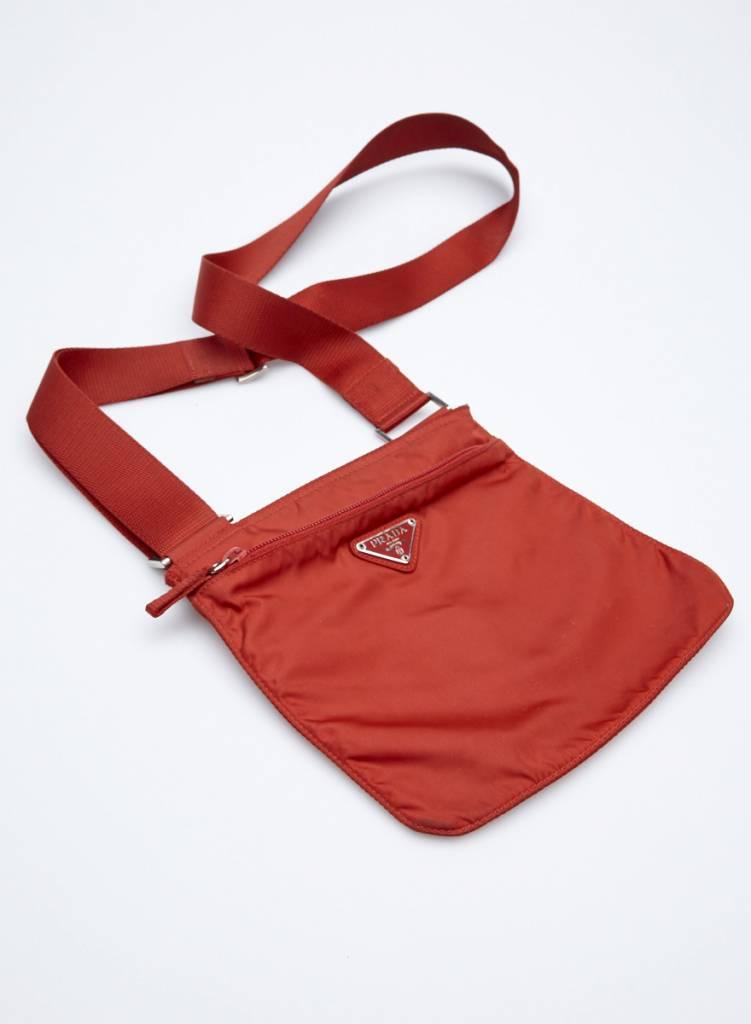 Prada Petit sac en toile rouge à bandoulière