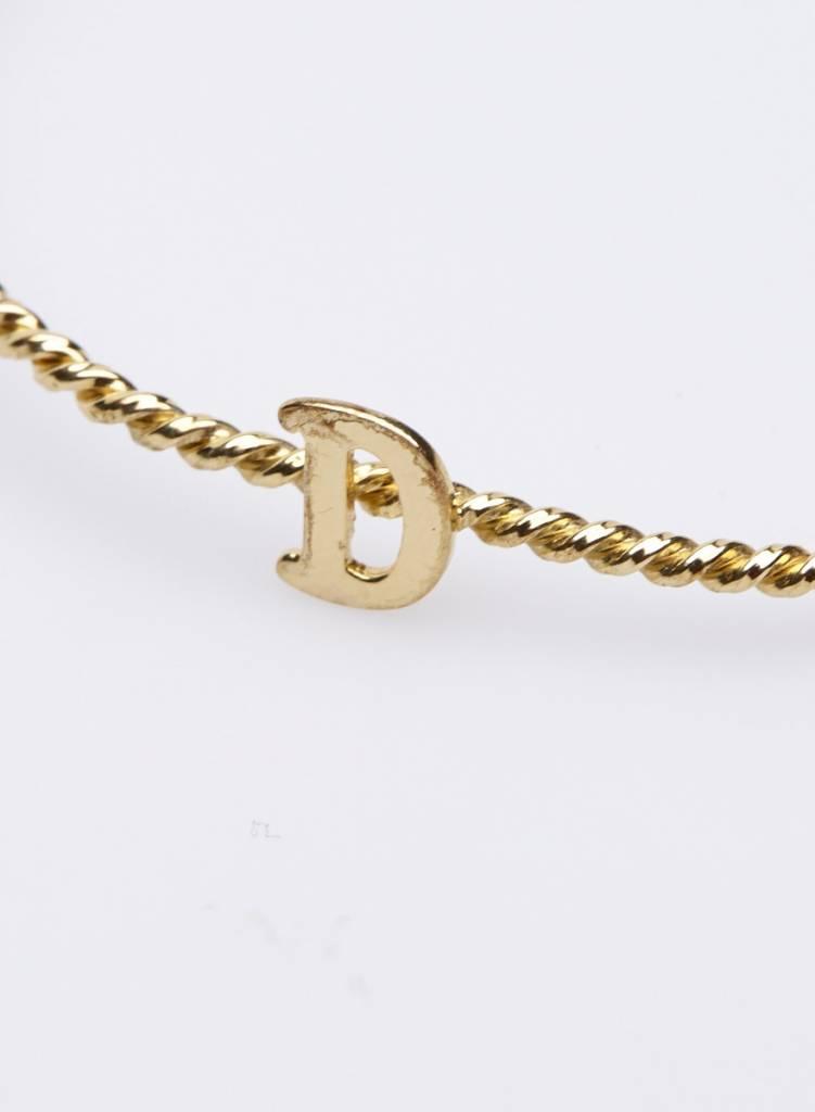 "The Right Hand Gal Bracelet torsades en or avec lettre ""D"""