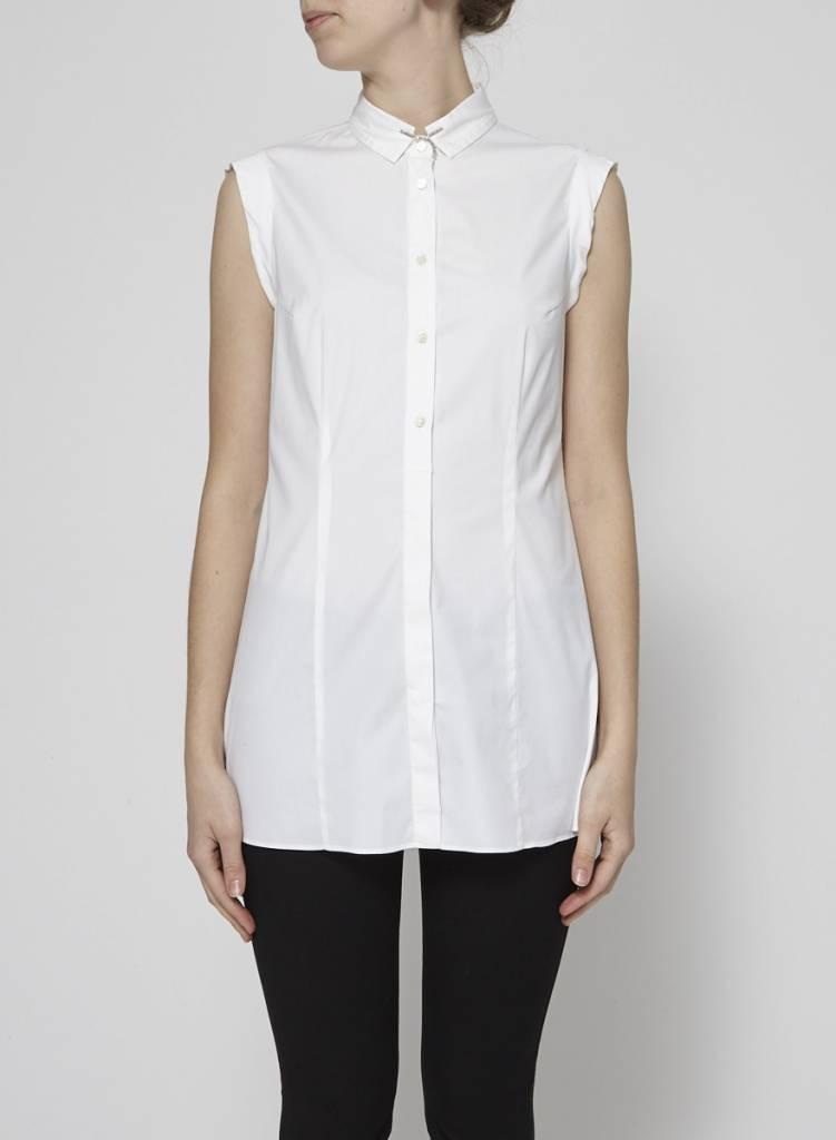 Brunello Cucinelli Chemise blanche petite chaîne argentée au col