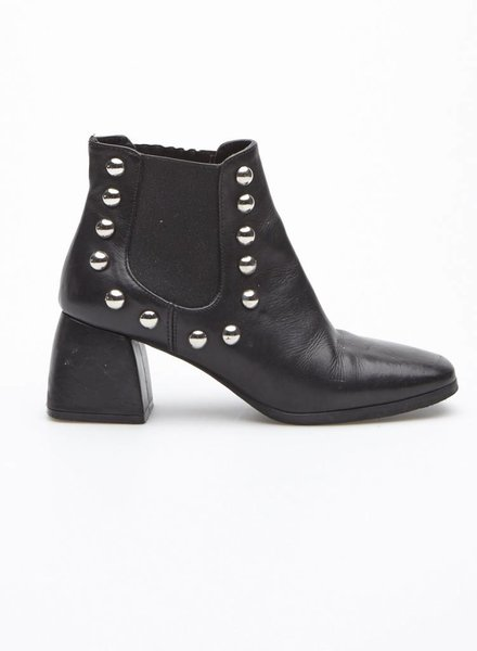 Mimosa BLACK ANKLE BOOTS WITH STUDS