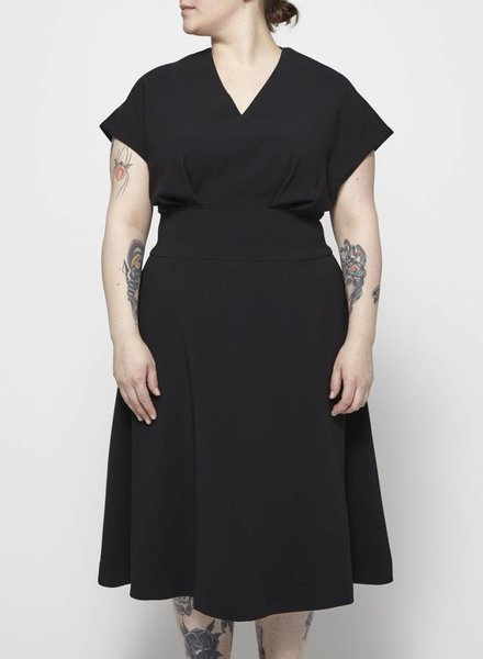 Éditions de Robes BLACK PLEATED MIDI DRESS