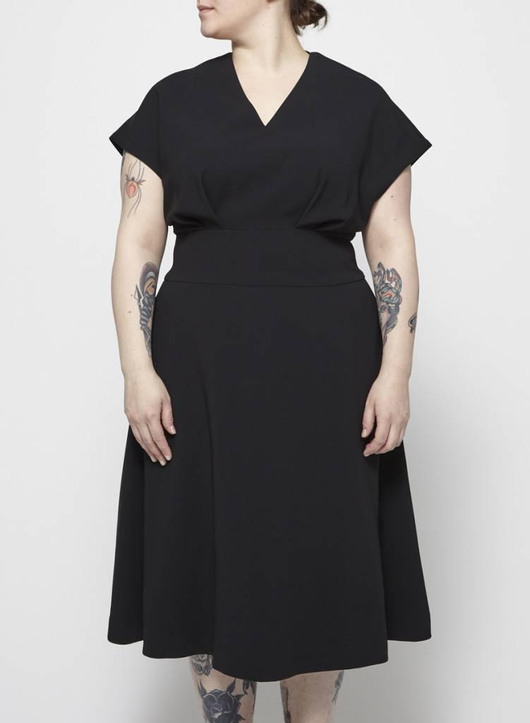 Éditions de Robes Robe midi noire à plis