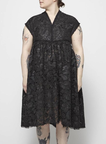 UNTTLD BLACK GUIPURE LACE DRESS