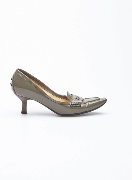 TOD'S KHAKI PATENT LEATHER PUMPS