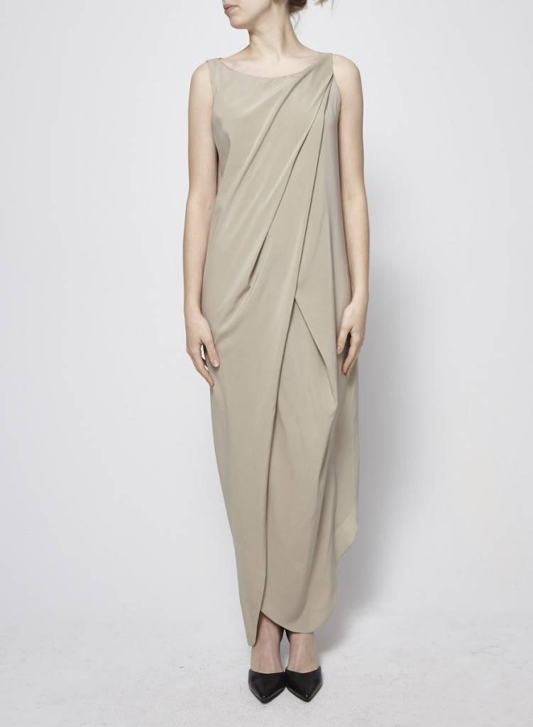 Brunello Cucinelli Robe beige drapée en soie