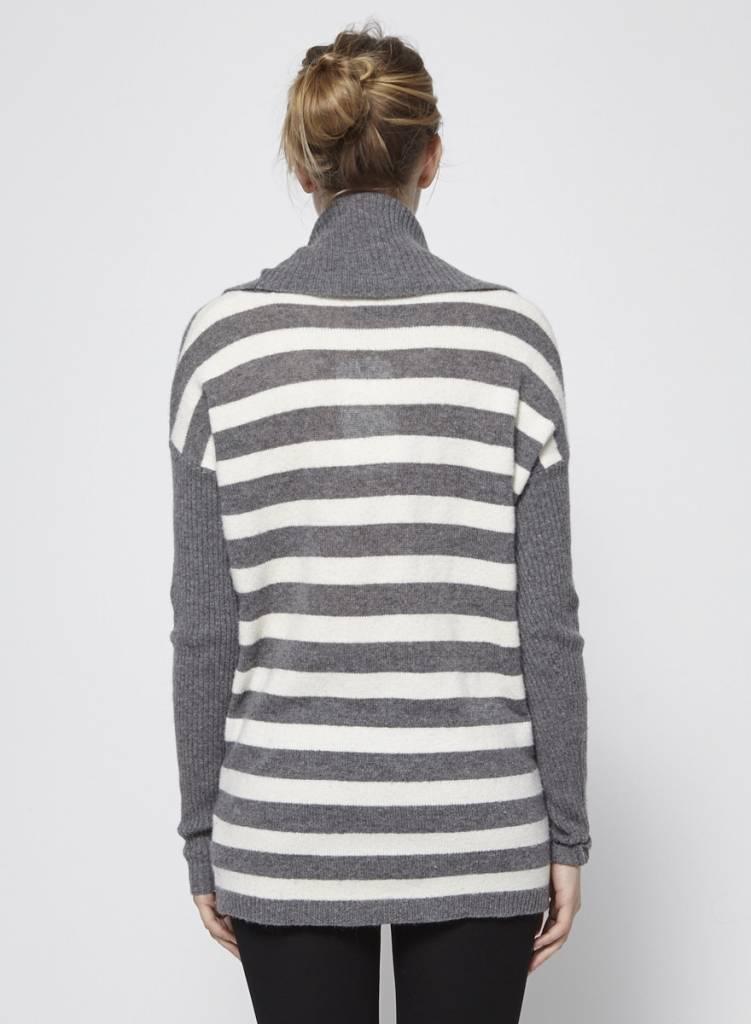 Velvet Pull à col bénitier rayé gris et blanc