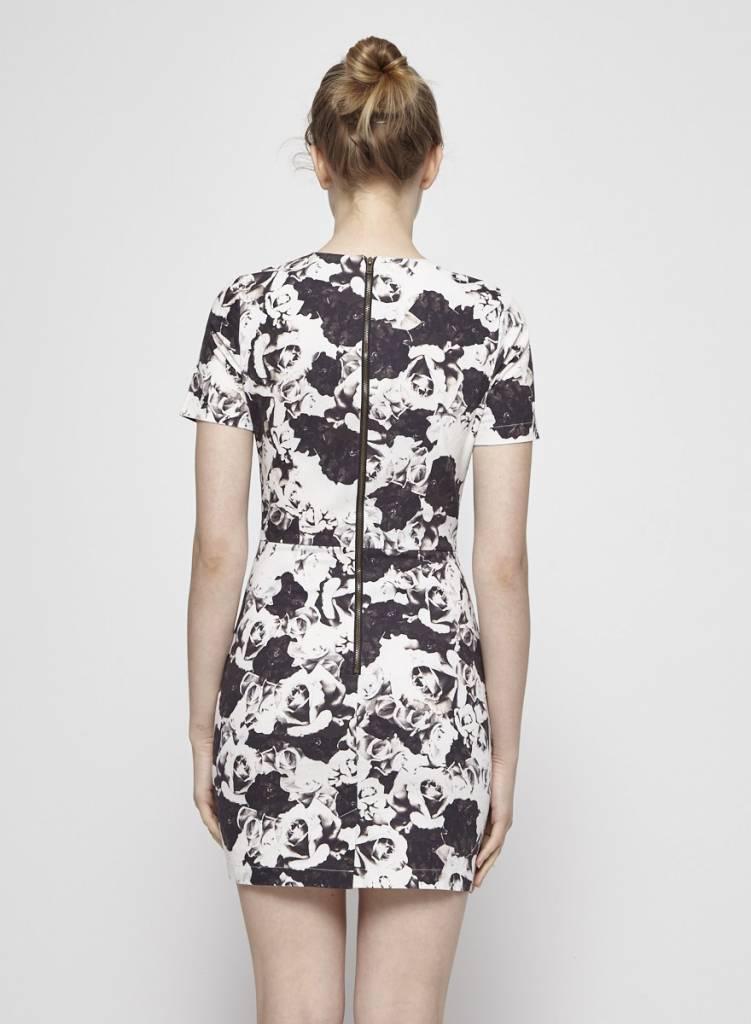 Valerie Dumaine Robe noire et blanche à motif fleuri