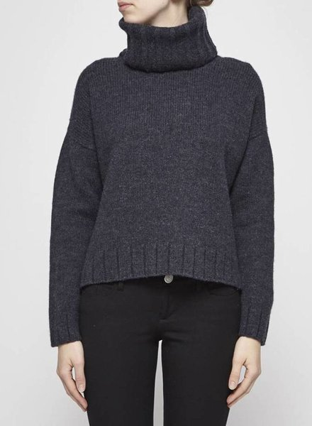 naïf DARK GREY WOOL SWEATER