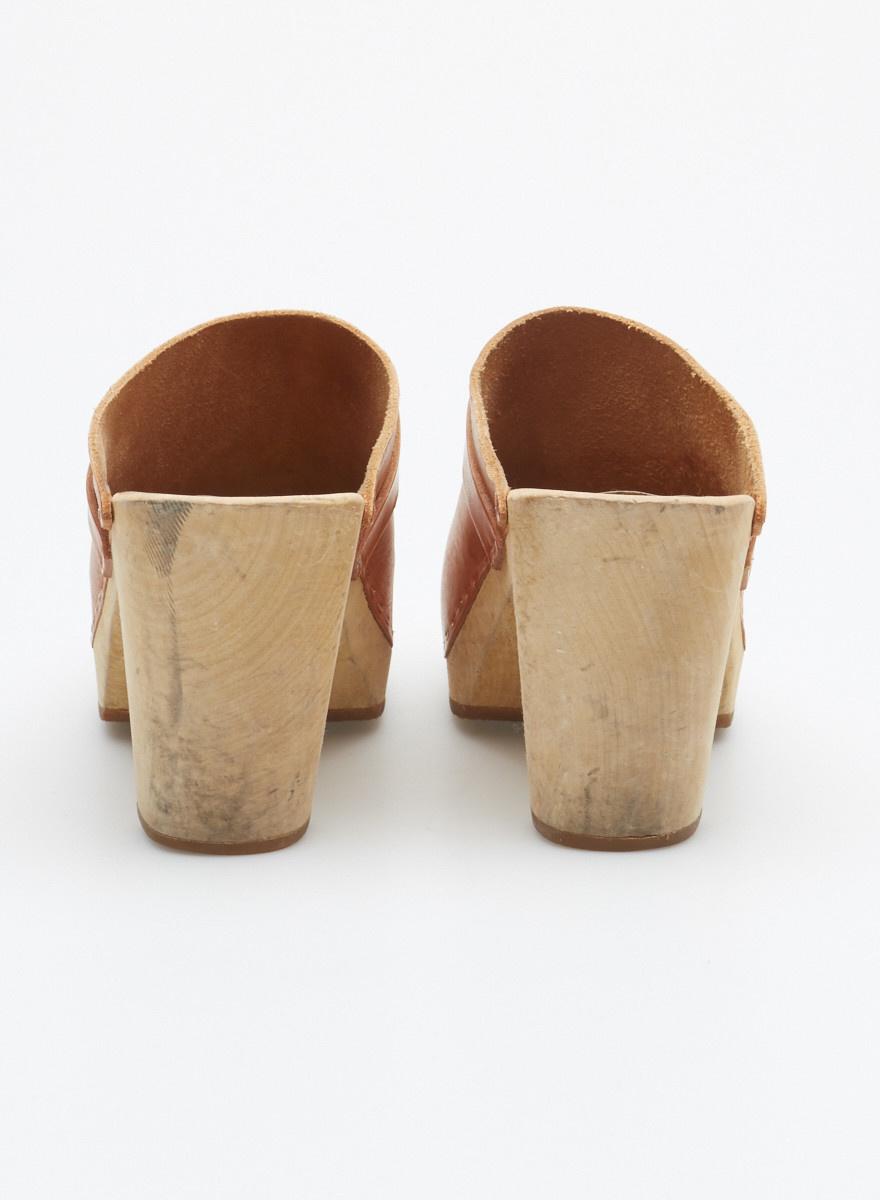 Swedish Hasbeens Mules brunes en cuir et bois façon sabots