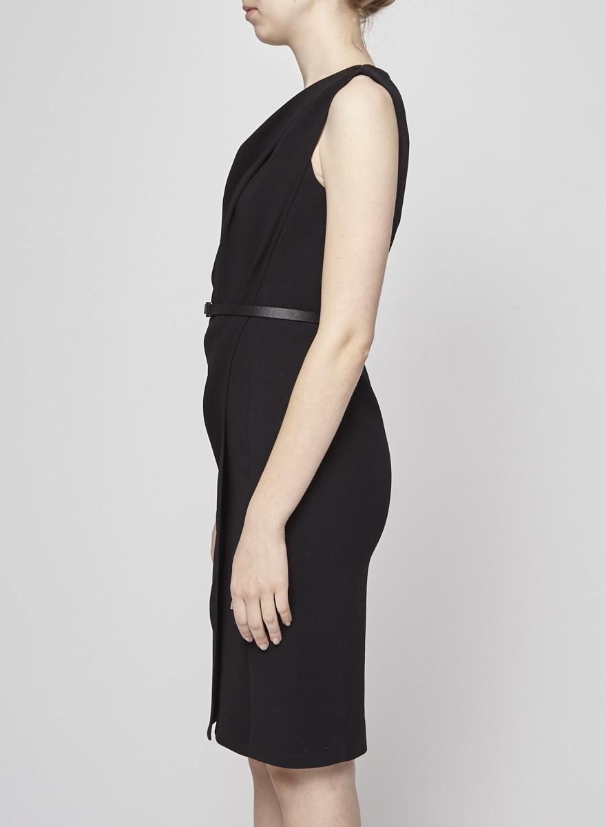 MaxMara Robe noire drapée au devant avec ceinture