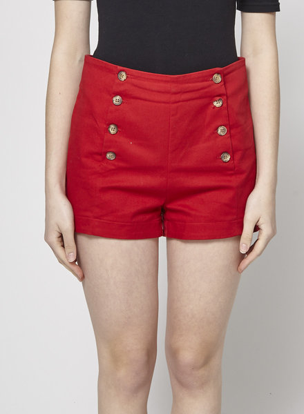 Betina Lou SHORT ROUGE TAILLE  HAUTE À BOUTONS