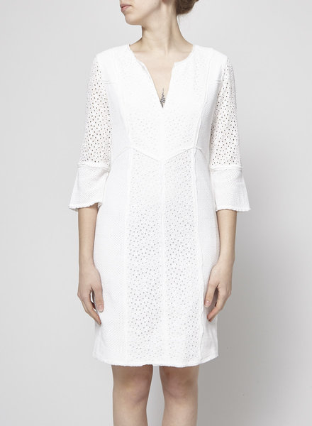 BCBG Max Azria WHITE FITTED BRODERIE ANGLAISE DRESS