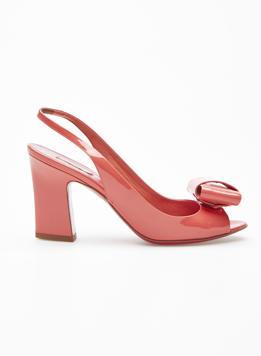 c07f30700db Pink Patent Leather Pumps with Bow - Miu Miu - DEUXIEME EDITION