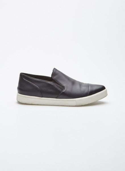 Vince BLACK PONTED LEATHER LOAFERS