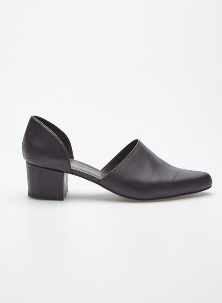 Intentionally Blank PERF BLACK LEATHER SHOES