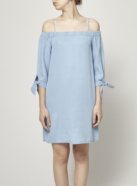 Ella Moss OFF THE SHOULDER CHAMBRAY DRESS