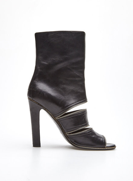 Alaïa Paris LEATHER AND METAL-EMBELLISHED OPEN-TOE BOOTS