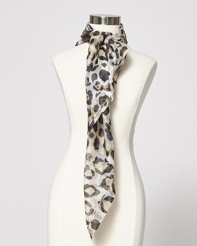 dans quelques jours profitez de la livraison gratuite chaussure Giorgio Armani Solde - Foulard léopard en soie diaphane