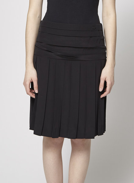 Chanel BLACK PLEATED SILK SKIRT