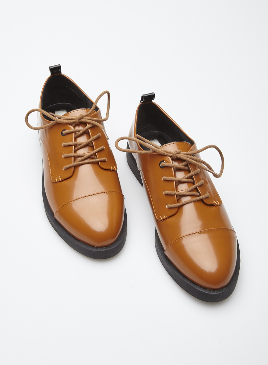 Matt & Nat Derbies marrons en cuir synthétique verni - Neuves