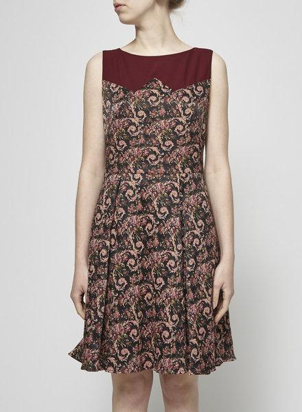 Annie 50 BURGUNDY JACQUARD DRESS
