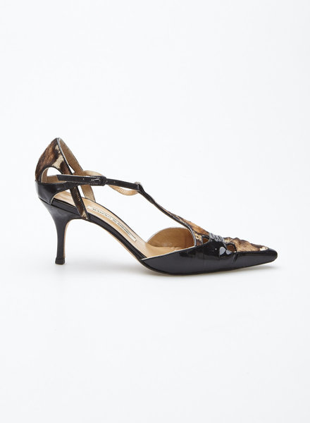 Manolo Blahnik BLACK PATENT LEATHER AND FOAL PUMPS