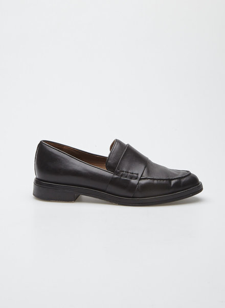COS BLACK LEATHER LOAFERS