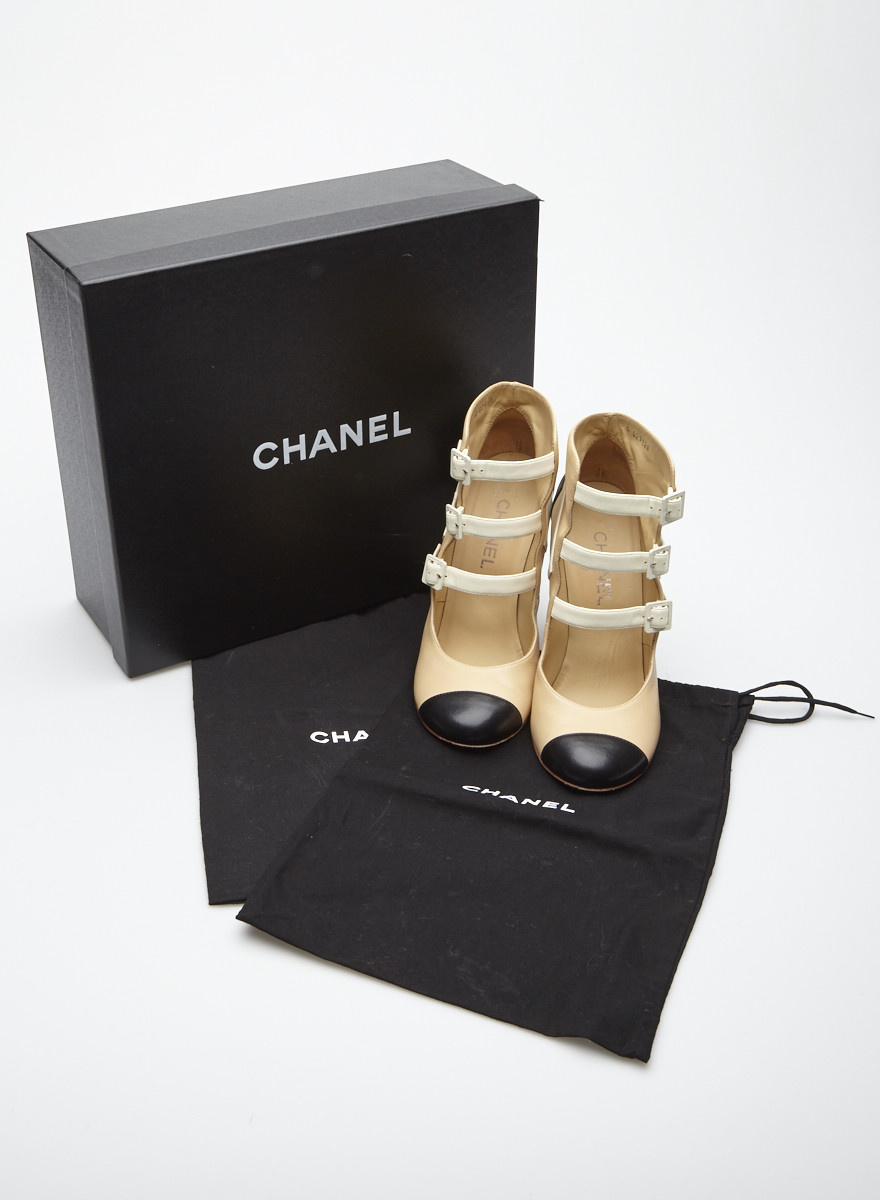 Chanel Beige, Black and White Leather Shoes