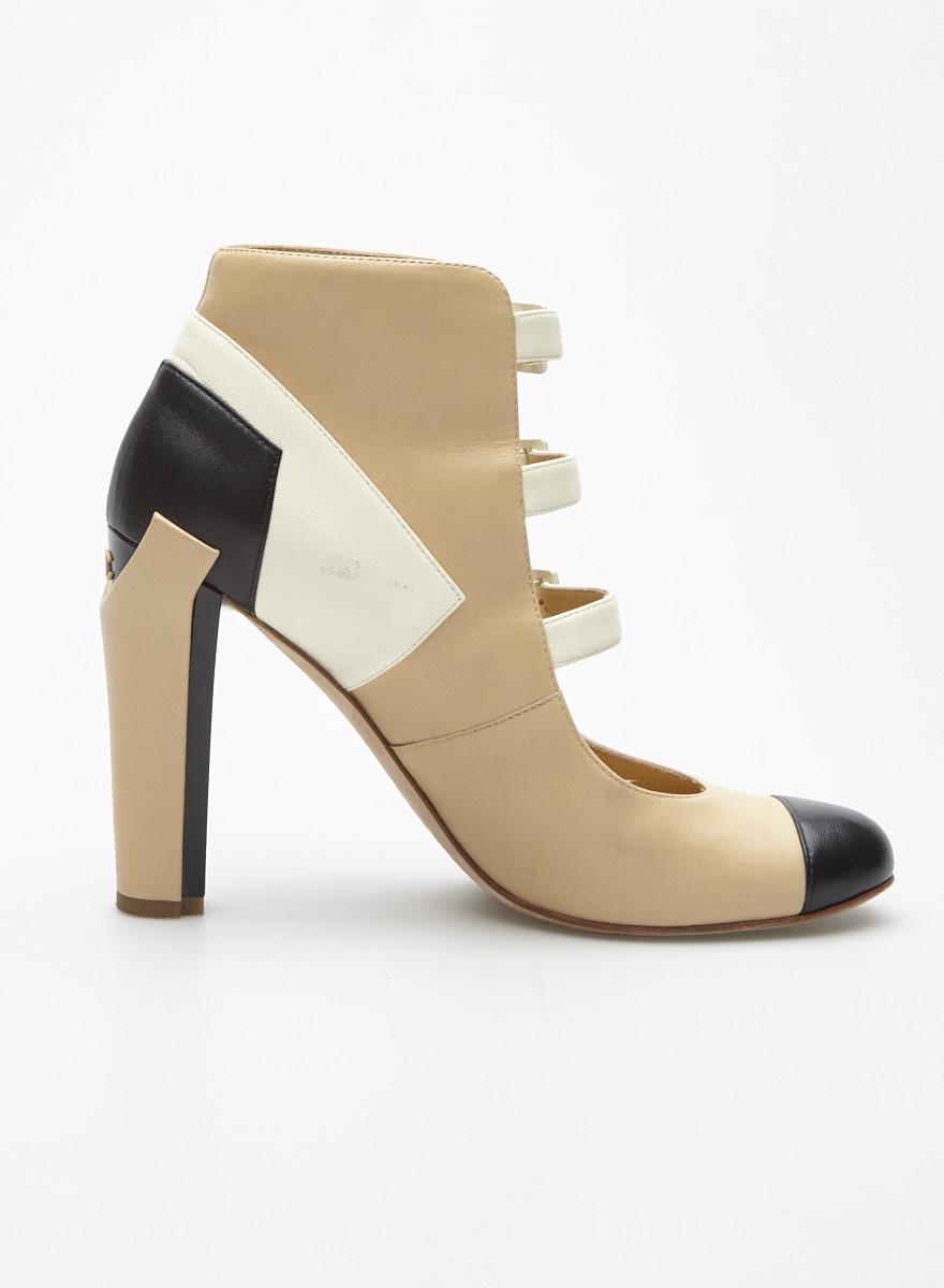 Chanel Chaussures en cuir beige, blanc et noir