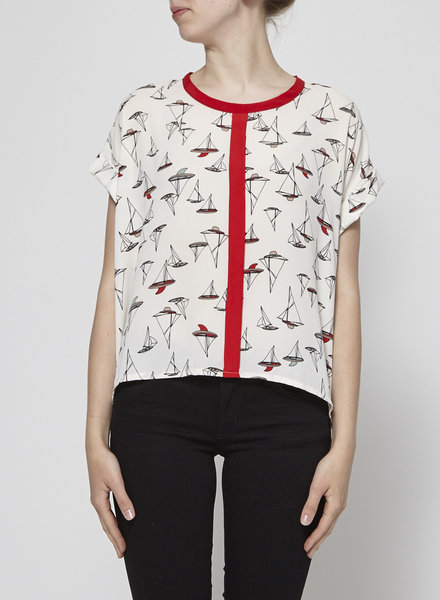 Eve Gravel RED ROUND-NECK PRINTED SHIRT