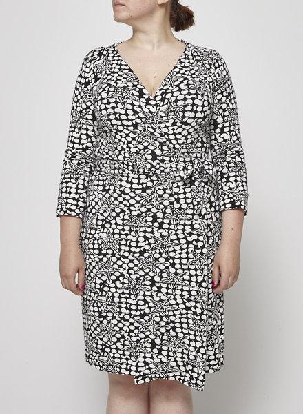 Diane von Furstenberg BLACK AND WHITE PRINTED WRAP DRESS