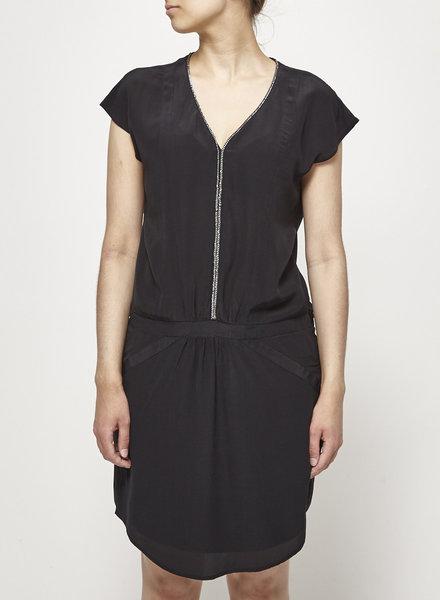 Comptoir des cotonniers SILK BLACK DRESS WITH CHAIN COLLAR