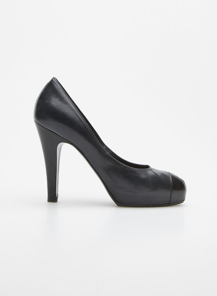 Chanel BLACK LEATHER PLATFORM PUMPS