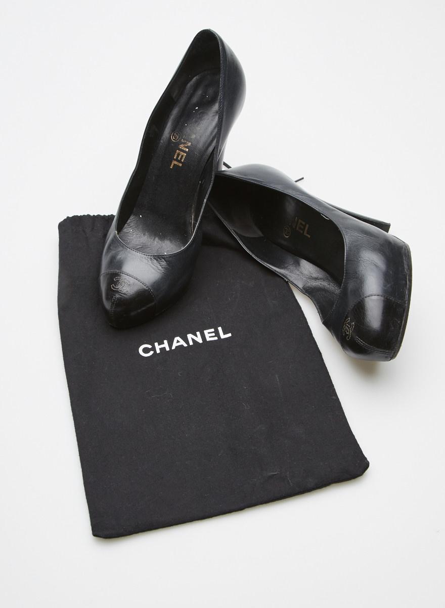 Chanel Black Leather Platform Pumps