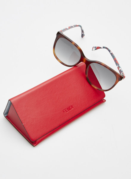 Fendi TORTOISESHELL SUNGLASSES WITH COLORED TEMPLES