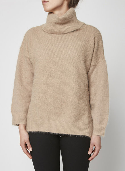 Third Form BEIGE TURTLE NECK SWEATER - NEW WITH TAG