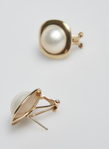 Birks 14K GOLD AND MABÉ PEARL EARRINGS