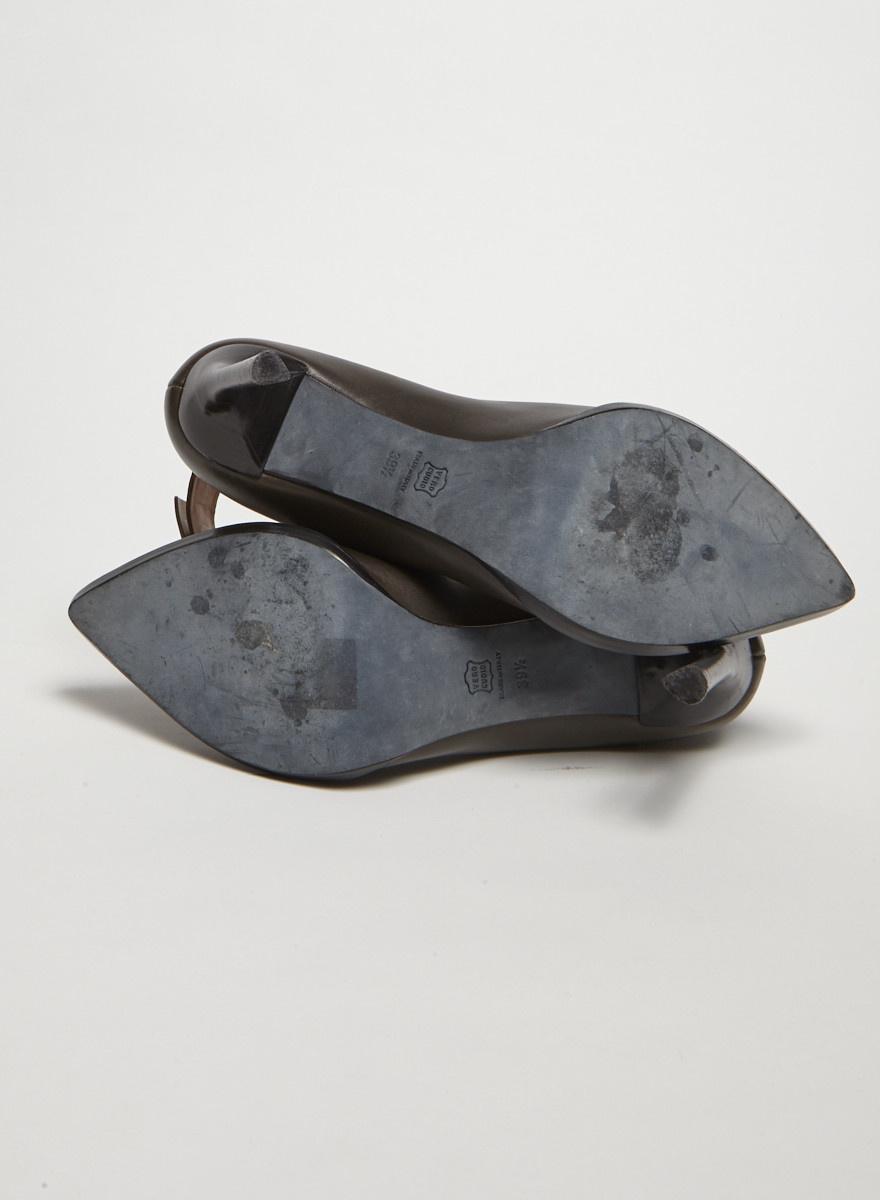 Lanvin Escarpins gris en cuir à brides