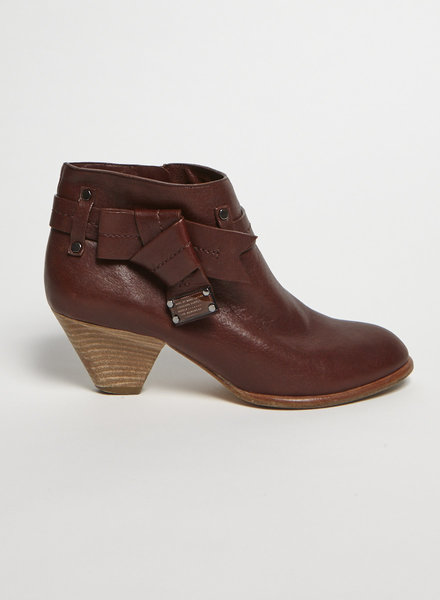 Marc by Marc Jacobs BURGUNDY LEATHER BOOTS